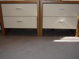 Foto 2 Schlafzimmer komplett - Schwebetürenschrank - Doppelbett - 2 Nachtkästchen