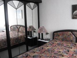 Schlafzimmer, schwarz lackiert