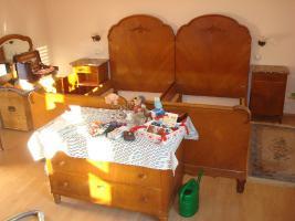 Schlafzimmermöbel 20er Jahre gut erhalten