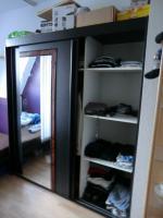 Foto 2 Schlafzimmerschrank mit Glasfront