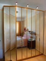 Schlafzimmerschrank ,2 m , mit Spiegeltüren