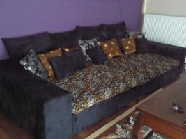 Foto 3 Schlafzimmerschrank, Himmelbett, Küche mit E-Geräte, Anbauwand, BigSofa, Couchtisch