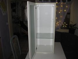 Foto 3 Schlichter Badezimmerh�ngeschrank mit Glast�r ( neuwertig )