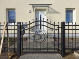 schmiedeeiserne z une aus polen metallzaun tor pforte in oranienburg. Black Bedroom Furniture Sets. Home Design Ideas