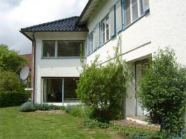 Foto 2 Schmuckes villenartiges Einfamilienhaus