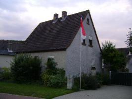 Schnäppchen: Provisionsfrei - Handwerkereinfamilienhaus in guter Lage in Aschfeld zu verkaufen