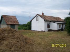 Foto 3 Schnäppchenhaus in Ungarn mit 5000 qm Garten mit Zentralheizung komplett möbliert
