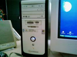 Schneider PC  + Daewoo Monitor