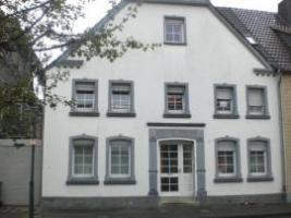 Schön geschnittene Eigentumswohnung im Erdgeschoss mit Terrasse und Garten,