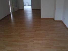Wohnzimmer (neues Laminat)