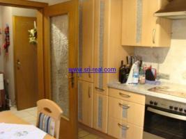 Foto 2 Schöne 3 Zimmer Erdgeschoss Wohnung auf einem Hof