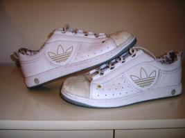 Schöne Adidas-Turnschuhe in weiß, nur 1x getragen! Gr. 39