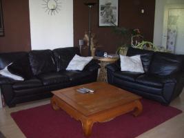 Schöne Echt-Leder Couch 3 + 2 Sitzer zu verkaufen