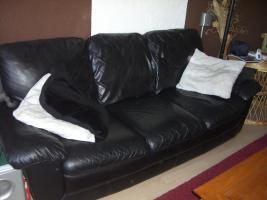 Foto 2 Schöne Echt-Leder Couch 3 + 2 Sitzer zu verkaufen