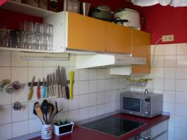 Foto 4 Schöne Einbauküche im 60er Jarhe Stilmit Spülmaschine, Spüle, Abzugshaube, Tisch!
