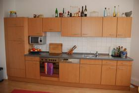 Schöne Einbauküchenzeile komplett mit allen Geräten, 370cm, sehr guter Zustand