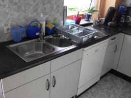 Foto 2 Schöne Küche mit E-Geräten  U-Form