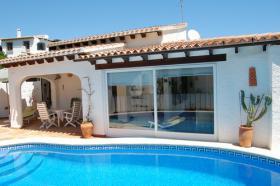 Schöne Rustikale Villa in Pego an der Costa Blanca