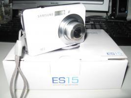 Foto 2 Schöne Samsung Digital Camera 10,2 megapixel in Weiß.