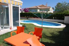 Foto 2 Sch�ne Villa nur 400m vom Strand in Denia an der Costa Blanca