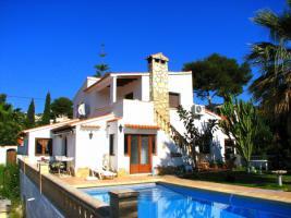 Schöne und helle Villa in Moraira an der Costa Blanca