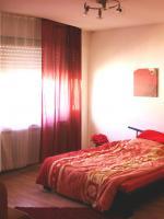 Schöne helle Wohnung mit glasüberdachtem Balkon ab 15.09.2013 oder früher (!) zu vermieten