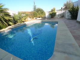 Foto 2 Schöne tadellose Villa in Orba an der Costa Blanca