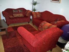 Schöne & gr. Sofagarnitur im roten Kolonialstil!Günstig & sehr gut erhalten!