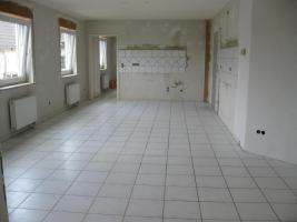 Foto 2 Schöne, helle 89m² große 3 Zimmer-Wohnung in Zweifamilienhaus