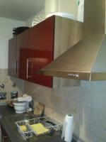 Foto 2 Schöne, moderne Küchenzeile Hochglanz, Apothekerschrank, ink. Geschirrspülmaschine & Kühlschrank etc.