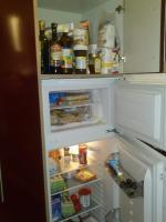 Foto 3 Schöne, moderne Küchenzeile Hochglanz, Apothekerschrank, ink. Geschirrspülmaschine & Kühlschrank etc.