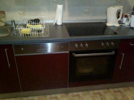Foto 5 Schöne, moderne Küchenzeile Hochglanz, Apothekerschrank, ink. Geschirrspülmaschine & Kühlschrank etc.