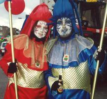 Schönen Blauen mit Golden Clown