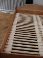 Sch�ner Vollholz Doppel-Bettrahmen mit Lattenrost, Erle, 160x200cm Innenma�