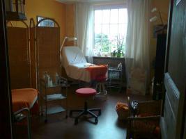 Foto 2 Schöner heller Raum zu vermieten im Haus der Schönheit