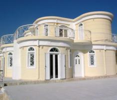 Schönes Fertigbauhaus auf dem Peloponnes