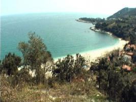 Schönes Grundstück auf einem Hügel/Griechenland