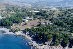 Schoenes Grundstueck direkt am Meer/Griechenland