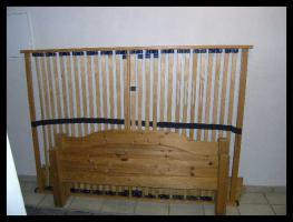 Schönes Kiefer gelaugtes Bett 1,40 x 2,00m