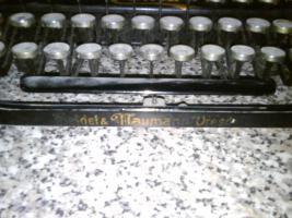Foto 3 Schreibmaschiene Erika um 1910