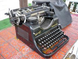 Foto 2 Schreibmaschine Rheinmetall-Borsig (antik)