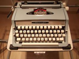 Schreibmaschine zu verkaufen