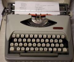 Foto 4 Schreibmaschine  -  ROYAL   *   Reise - Schreibmaschine   *   ROYALReiseschreibmaschine  -  ROYAL