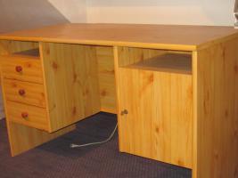 Schreibtisch aus buche massiv in mainz von privat for Schreibtisch massiv buche