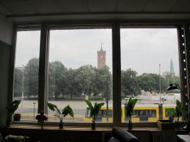 Foto 2 Schreibtisch zu vermieten im Zentralbüro