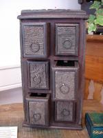 Schubfachschr�nkchen aus alten Blockdruck-Stempel