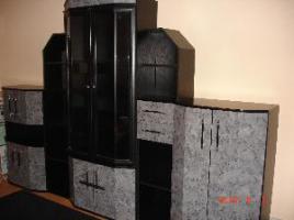 Schwarz/grau melierte Wohnwand