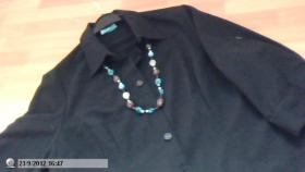 Foto 2 Schwarze Bluse mit Kette