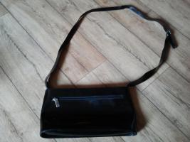 Schwarze Lack Handtasche