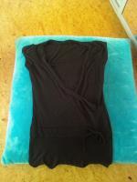 Schwarzes Tshirt in Doppeloptik